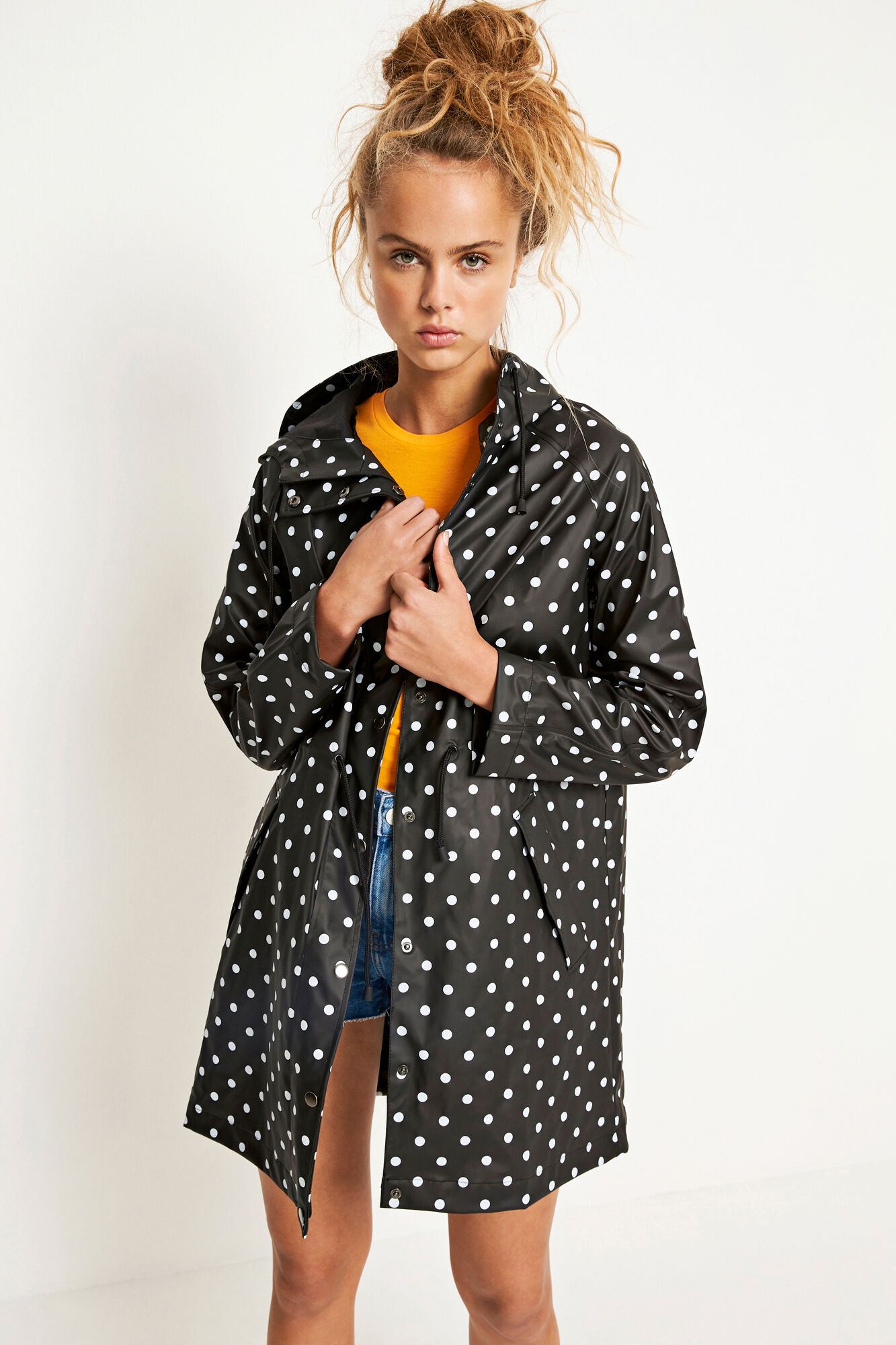 ENCRUMBLE RAINCOAT AOP 6501