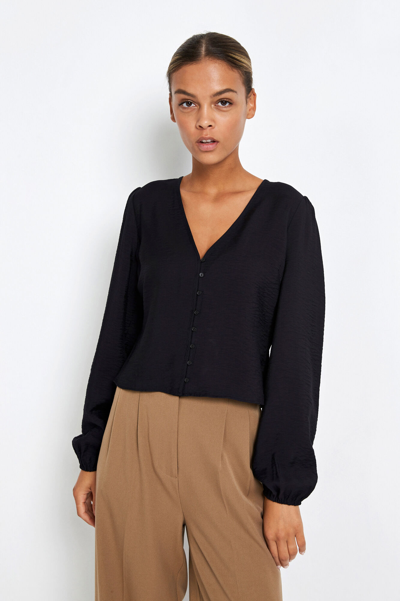 ENDOWNING LS V-N TOP, BLACK