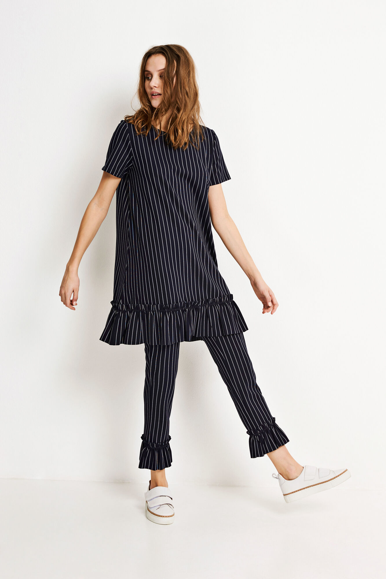 ENTOFFEE SS DRESS 5957, NAVY PINSTRIPE