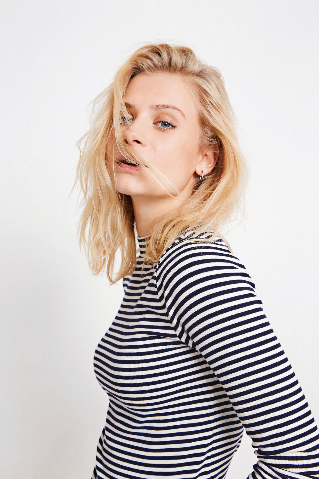 ENALLY LS T-NECK STRIPE 5892, CREAM-NAVY STRIPE