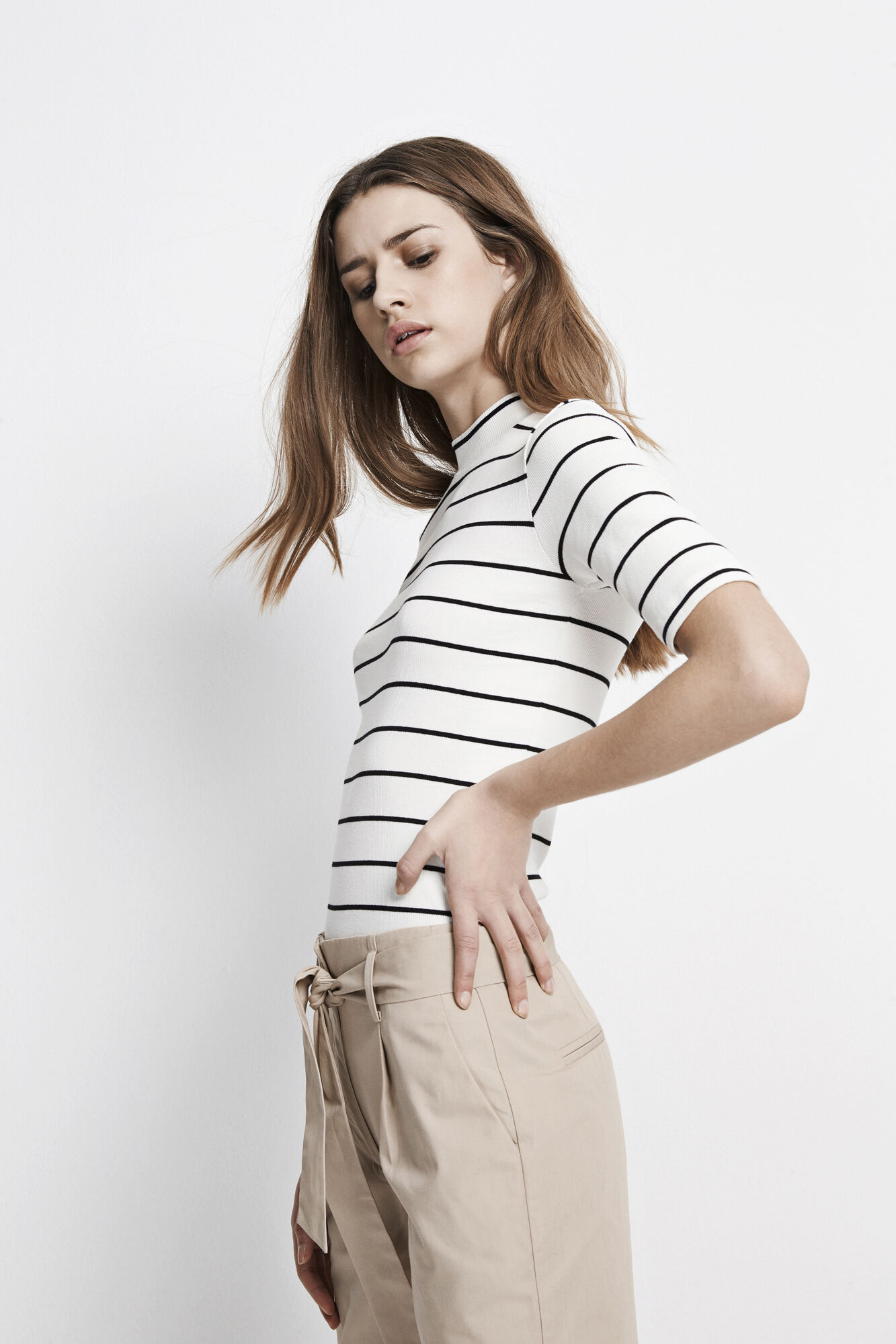 ENALLY SS T-NECK STRIPE 5892, CREAM-BLACK STRIPE