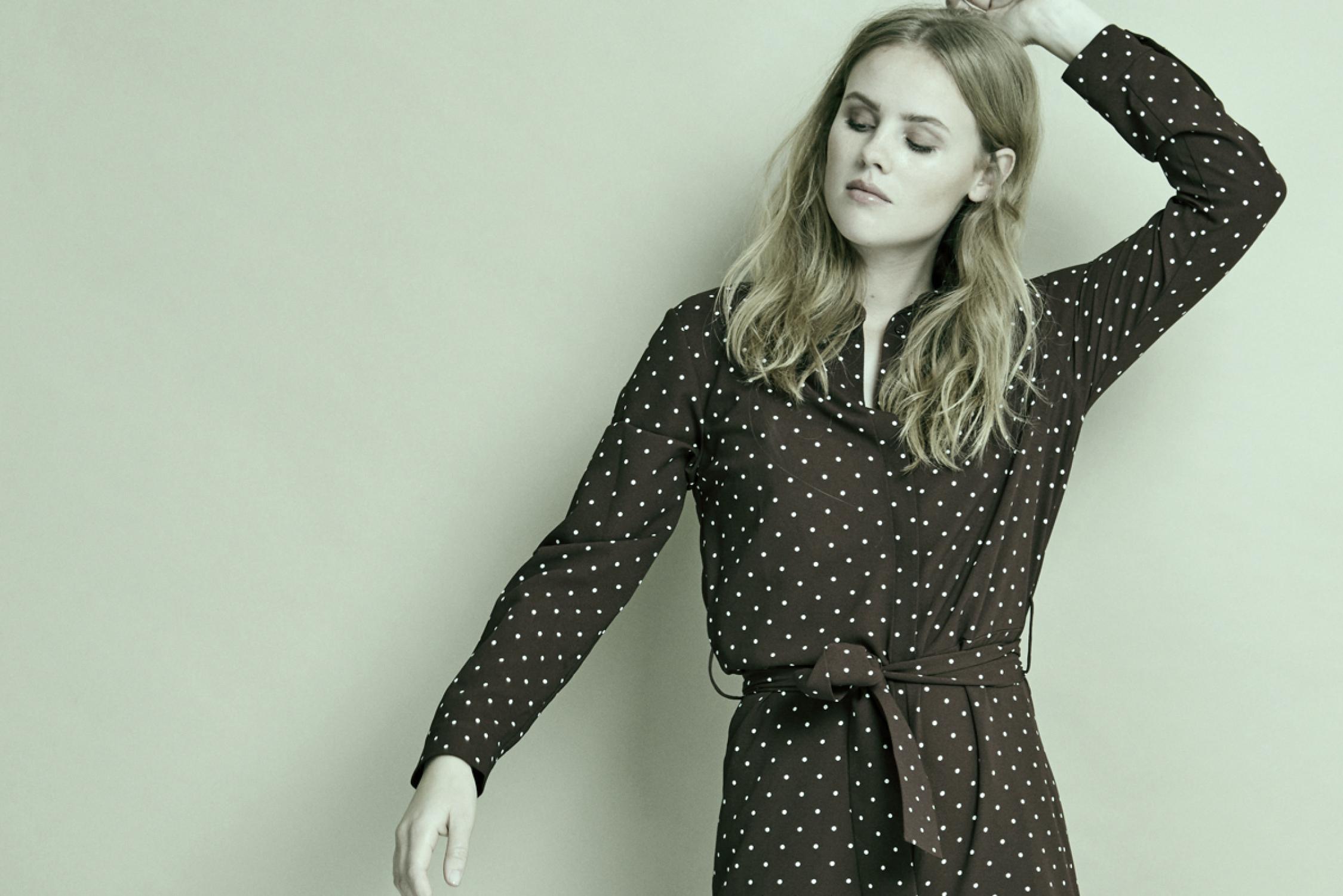 tøj til unge kvinder online